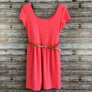 🛍 Lily Rose. Oral Textured Belted Dress Sz M
